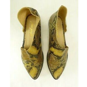 Free People NWOT Leather Faux Reptile Flats 38